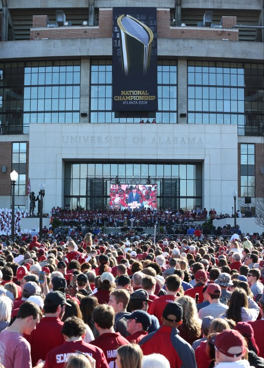 An estimated 40,000 fans turned out for the Alabama Crimson Tide national championship celebration. (Robert Sutton)