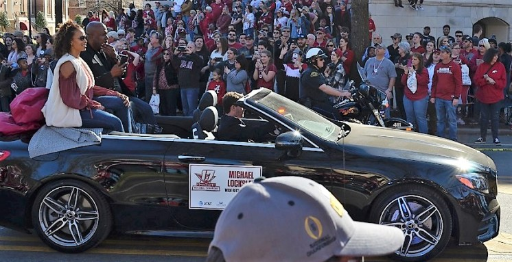 Alabama's new offensive coordinator Michael Locksley rides in the national championship celebration parade. (Michael Tomberlin / Alabama NewsCenter)