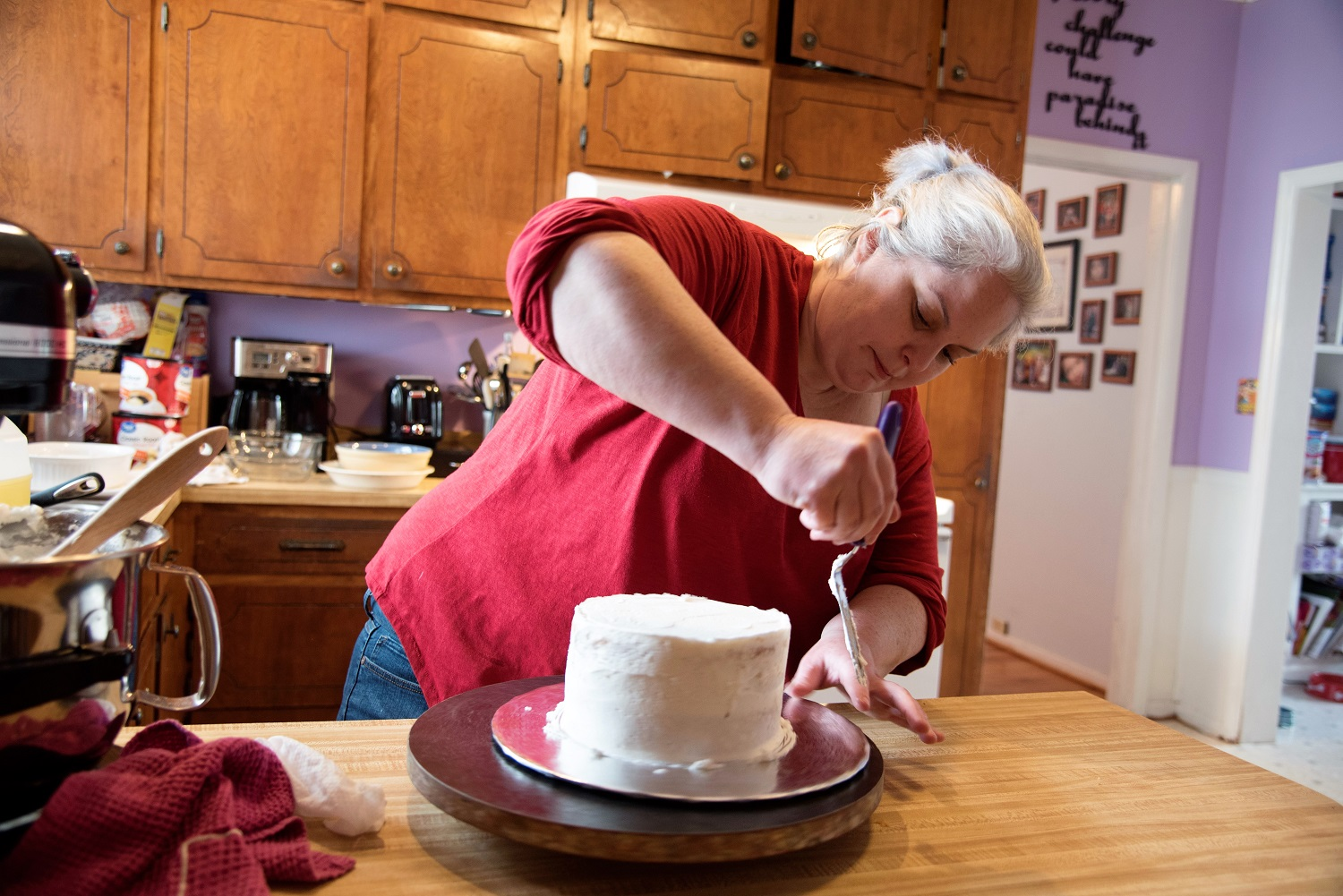 Buckalew works on her latest creation in her Cakeapotamus studio in Opelika. (Brittany Faush / Alabama NewsCenter)
