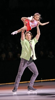 Two things John Zimmerman IV loves are his family and skating. Here he skates with his daughter. (Vicki S. Luy / International Figure Skating)