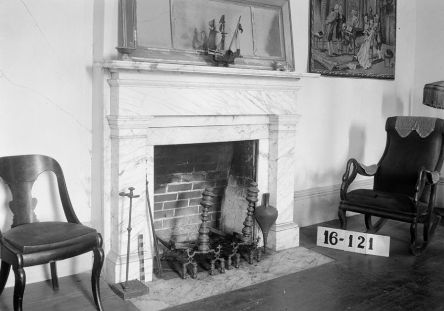Parlor inside the James Dellet House, Claiborne, 1934. (Photograph by W.N. Manning, HABS, Library of Congress Prints and Photographs Division)