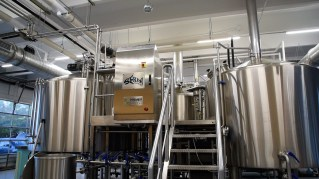 The brewing process at Serda Brewing can be seen from 360 degrees around the brewery. (Brittany Faush / Alabama NewsCenter)