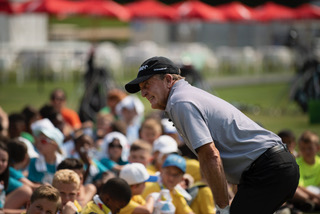 Fred Funk shares his knowledge of golf and his perspectives on life with students at the Junior Clinic preceding the Regions Tradition tournament. (Chris Jones/Alabama NewsCenter)