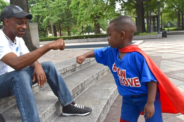 Some of the folks he encounters have never seen a 4-year-old quite like Austin Perine. (Karim Shamsi-Basha/Alabama NewsCenter)