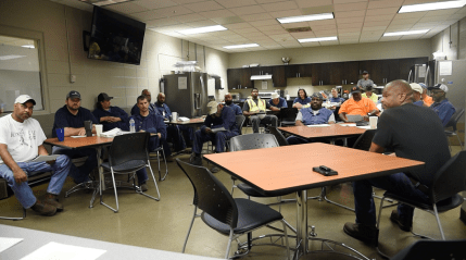 A meeting of team members at Alabama Power's Plant Miller. (Brittany Faush/Alabama NewsCenter)
