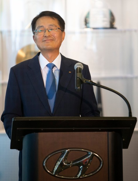 Hyundai Motor Manufacturing Alabama President and CEO Dong Ryeol Choi announces plans for a $388 million engine plant announcement.(Governor's Office, Hal Yeager)