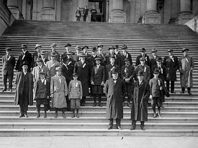 "U.S. senator from Alabama James ""Cotton Tom"" Heflin, front and center, poses with a group of cotton farmers on the steps of the U.S. Capitol in Washington, D.C., in 1912. (From Encyclopedia of Alabama, Library of Congress)"