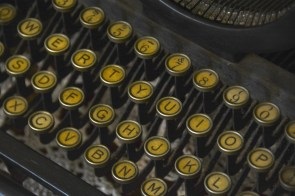 Fitzgerald's typewriter. (Karim Shamsi-Basha/Alabama NewsCenter)