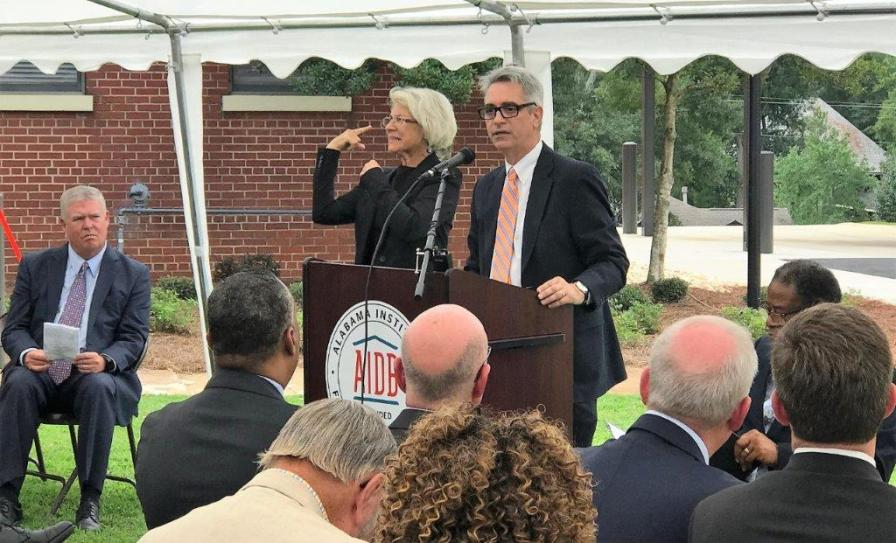 Dr. John Mascia, president of Alabama Institute for Deaf and Blind, speaks at the dedication of the Alabama Power Foundation Nursing Clinic at AIDB. (Michael Tomberlin / Alabama NewsCenter)