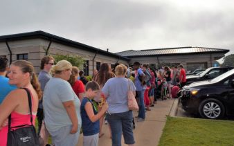 About 2,500 people visited the civic center for school supplies. (Donna Cope/Alabama NewsCenter)