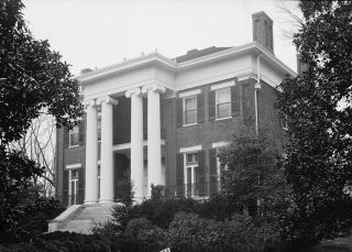 Exterior view of Courtview, March 17, 1934. (W.N. Manning, HABS, Library of Congress, Prints and Photographs Division)