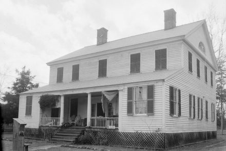 James Dellet House in Claiborne, Monroe County, 1934. (Photograph by W.N. Manning, Library of Congress, Prints and Photographs Division)