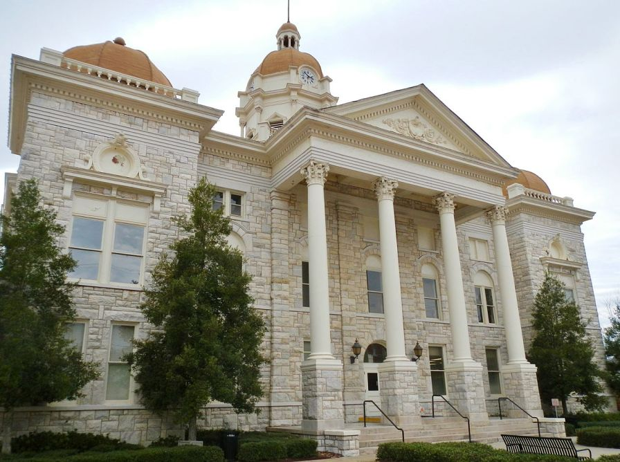Shelby County Courthouse in Columbiana, Feb. 24, 2012. (Rivers Langley, SaveRivers, Wikipedia)