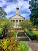 Davis Library and Centennial Walk, Samford University, 2017. (Andy Montgomery, Flickr)