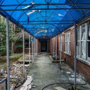 Throughout its history, Carraway Hospital remained a leader in medical care and at one time had the only Level 1 Trauma Center in Birmingham. (Abandoned Southeast Photography Blog)