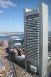 The Federal Reserve Bank Building in Boston was designed by Hugh Stubbins in 1976. (Tomtheman5, Wikipedia)