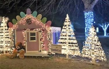Brewton is aglow with the Christmas spirit. (Steve Layton)