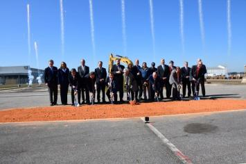 Officials break ground on the new A220 plant in Mobile. (Airbus)