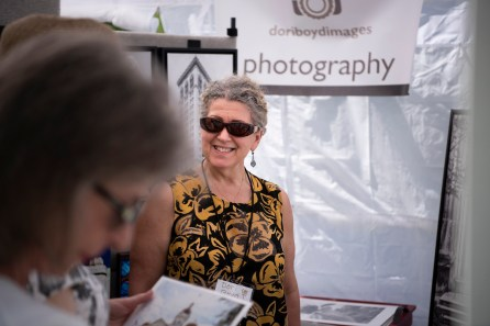 An estimated 10,000 attended this year's Magic City Art Connection in Birmingham's Linn Park. (Phil Free / Alabama NewsCenter)