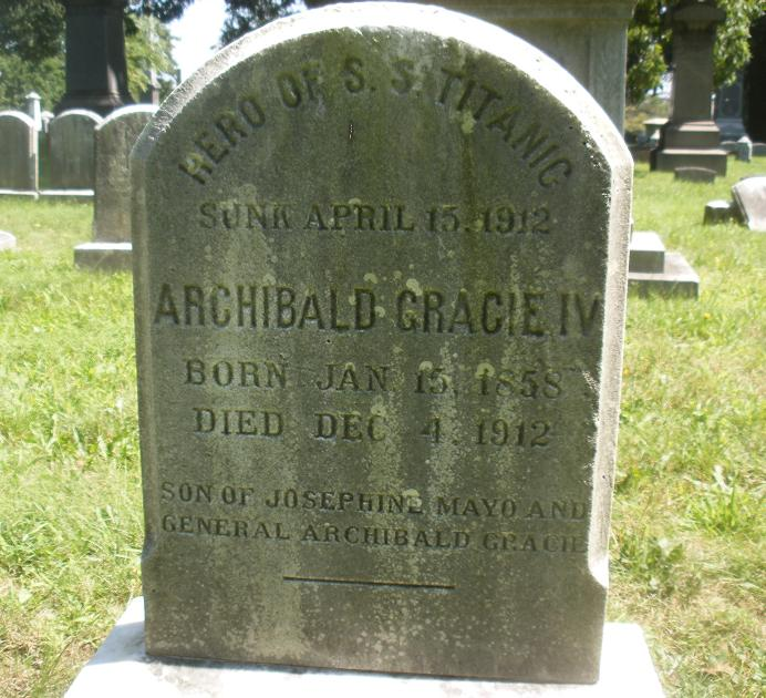 Grave marker for Archibald Gracie IV, Woodlawn Cemetery, Bronx, New York. (Sarnold17, Wikipedia)