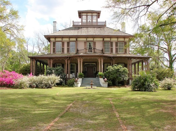 The Eufaula Pilgrimage features a number of classic Alabama homes such as Fendall Hall. (contributed)
