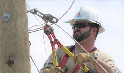 Lineman Heith Hase has been an Alabama Power employee for 12 years. (Joe Allen/Alabama NewsCenter)