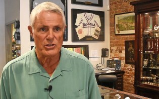 Lou Piniella speaks to the media at Levy's Fine Jewelers. (Solomon Crenshaw Jr./Alabama NewsCenter)