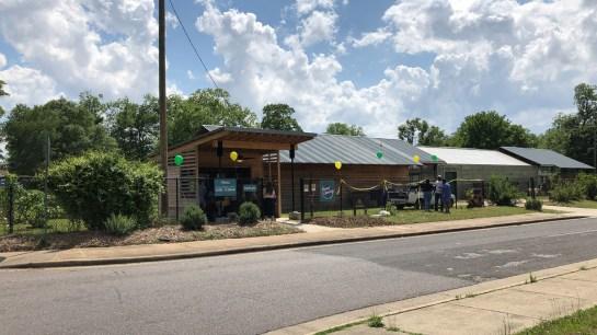 The Farm Stand at Woodlawn High School. (Dennis Washington / Alabama NewsCenter)