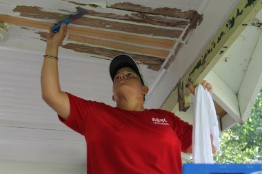 Andi Alford works on a community project with the Alabama Power Service Organization. (contributed)