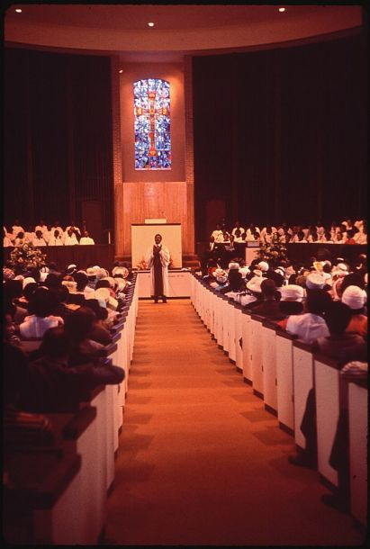 Sixth Avenue Baptist Church, 1972. (National Archives, photograph by LeRoy Woodson, Wikipedia).