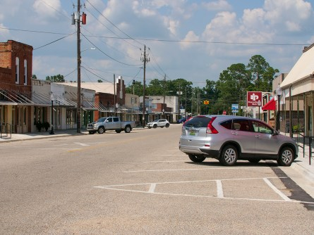 The city of Ashford repaired its downtown sidewalks thanks to a grant. (Dennis Washington / Alabama NewsCenter)