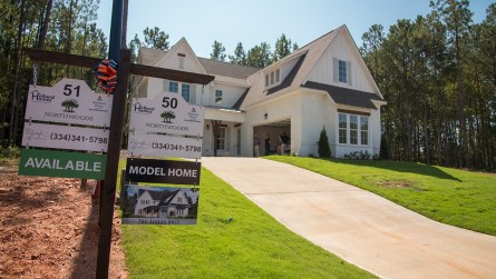 The front of the model home. (Dennis Washington / Alabama NewsCenter)