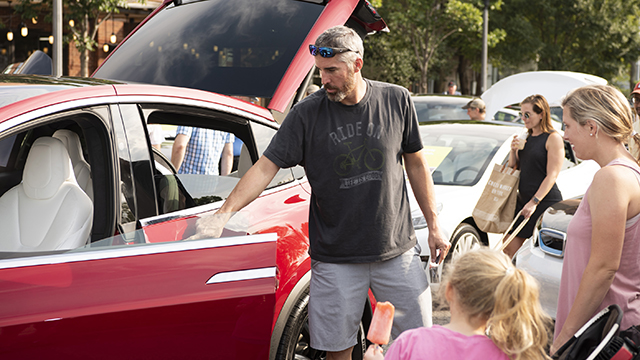 Alabama electric vehicle owners praise benefits of going electric