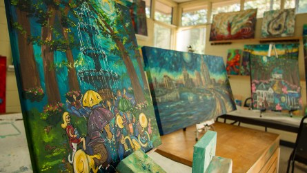 Ginger Woechan says she discovered her love for painting at an early age. (Dennis Washington / Alabama NewsCenter)