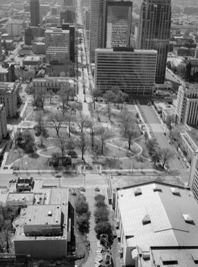 Birmingham City Hall and Linn Park. (Library of Congress Prints and Photographs Division)