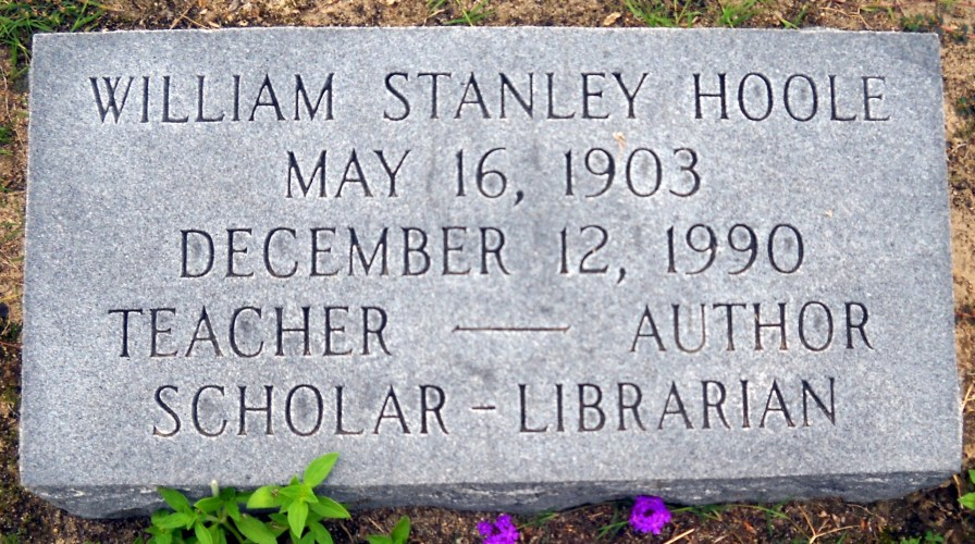 Gravesite of William Stanley Hoole. (Photography by Barbara Lehman, findagrave.com)