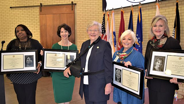 Gov. Kay Ivey and AUSA honor outstanding Tuscaloosa women
