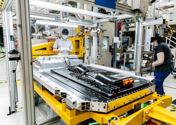 Battery production at Mercedes-Benz subsidiary Accumotive in Kamenz, Germany, plays a big part in the automaker's goal of becoming carbon-neutral at all of its plants -- including MBUSI in Tuscaloosa. (Mercedes-Benz)
