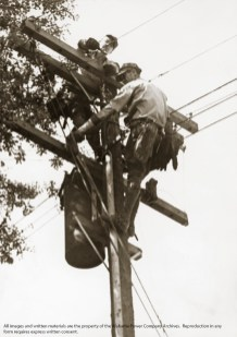 Linemen working in Decatur. (Alabama Power Company Archives)