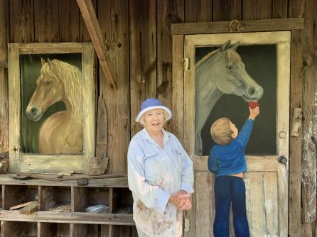 An old corn crib at the back of Wilson's property found new life through her artwork. (Donna Cope/Alabama NewsCenter)