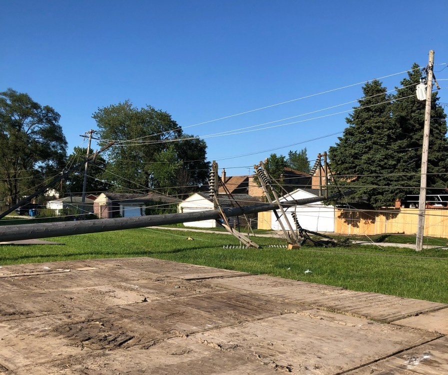 Alabama Power crews assisted Commonwealth Edison in restoring power in Illinois. (Alabama NewsCenter)