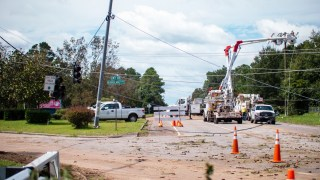 Alabama Power and assisting crews make progress in restoring outages Thursday after Hurricane Sally