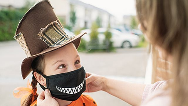 Is traditional trick-or-treating safe in Alabama during COVID-19?