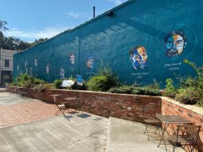 The downtown Wetumpka Alleyway Project has created a vibrant public space. (Michael Jordan / Alabama NewsCenter)