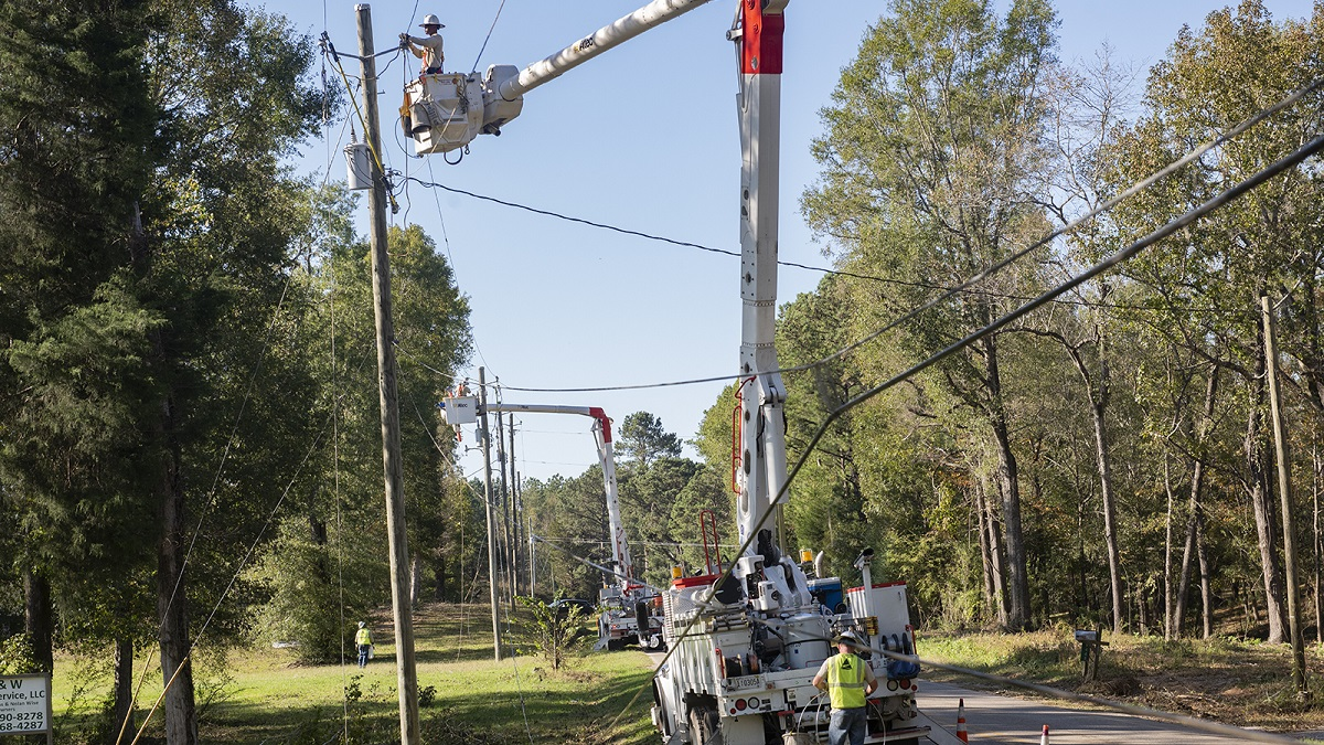 Service restored to more than 90% of Alabama Power customers