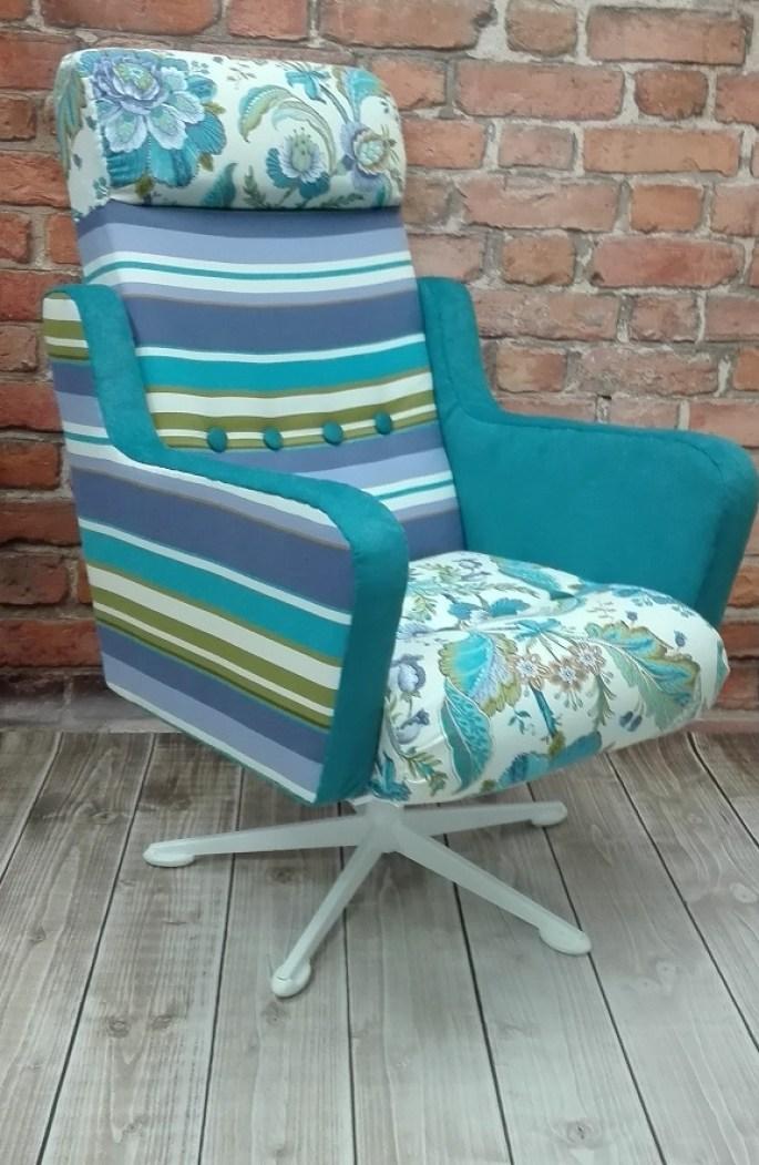 Fotel typu uszak obrotowy kolorowy