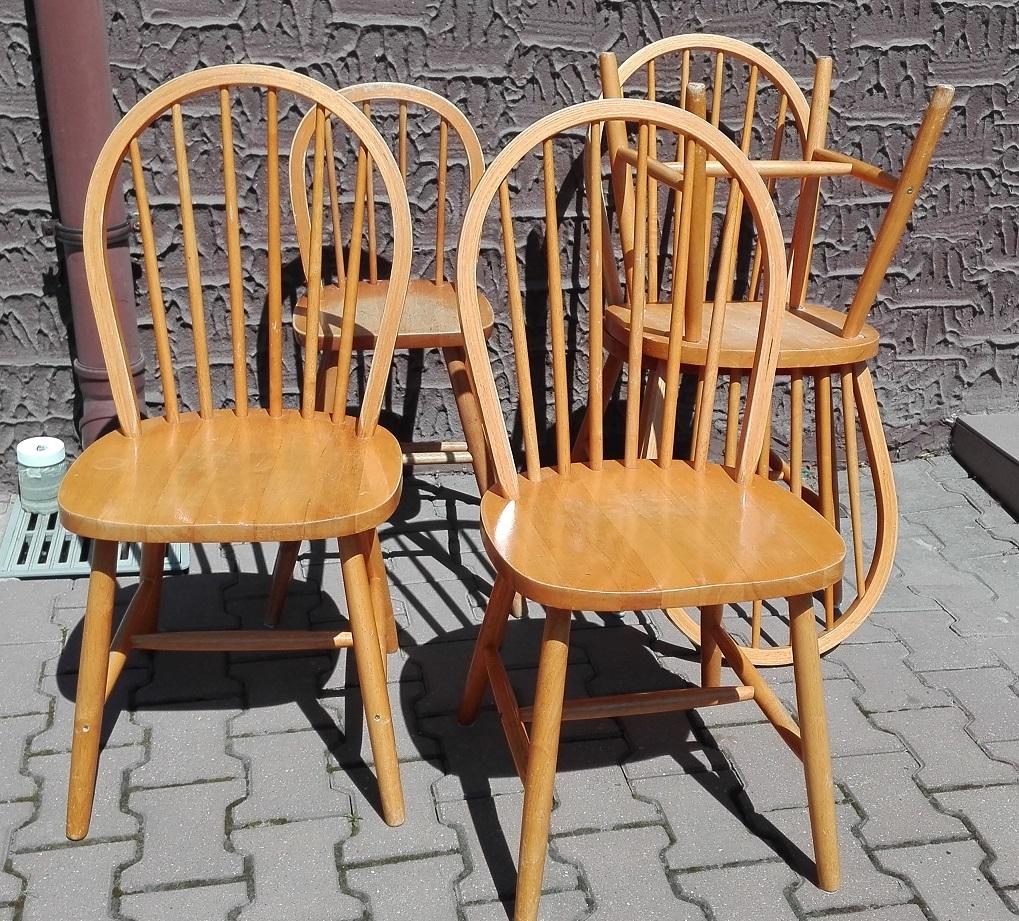 Krzesła drewniane z IKEA