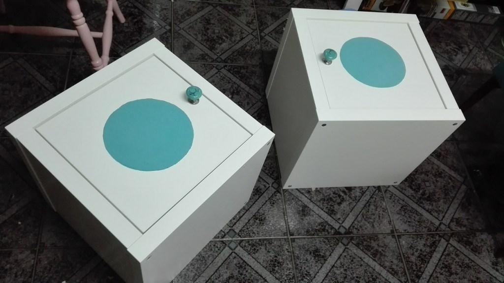Malowanie frontów szafek farbą