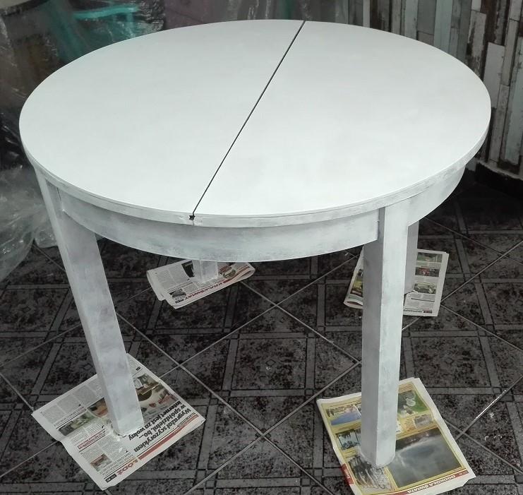 Malowanie starego stołu
