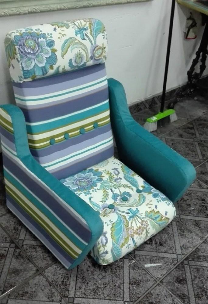 Jak zmienić obicie w fotelu typu uszak?